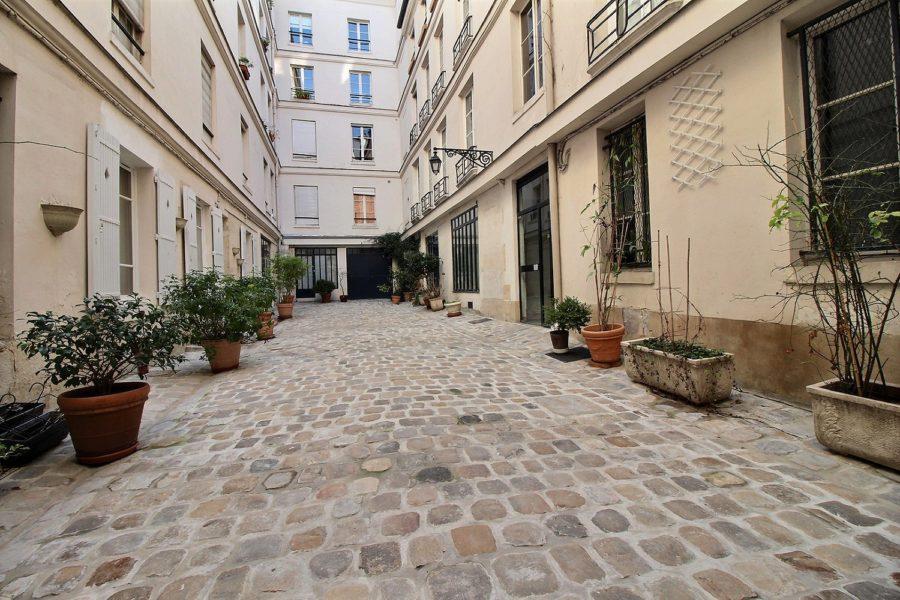 enaparte-ref126-photo-3p-Paris-rue-du-bourg-tibourg_12